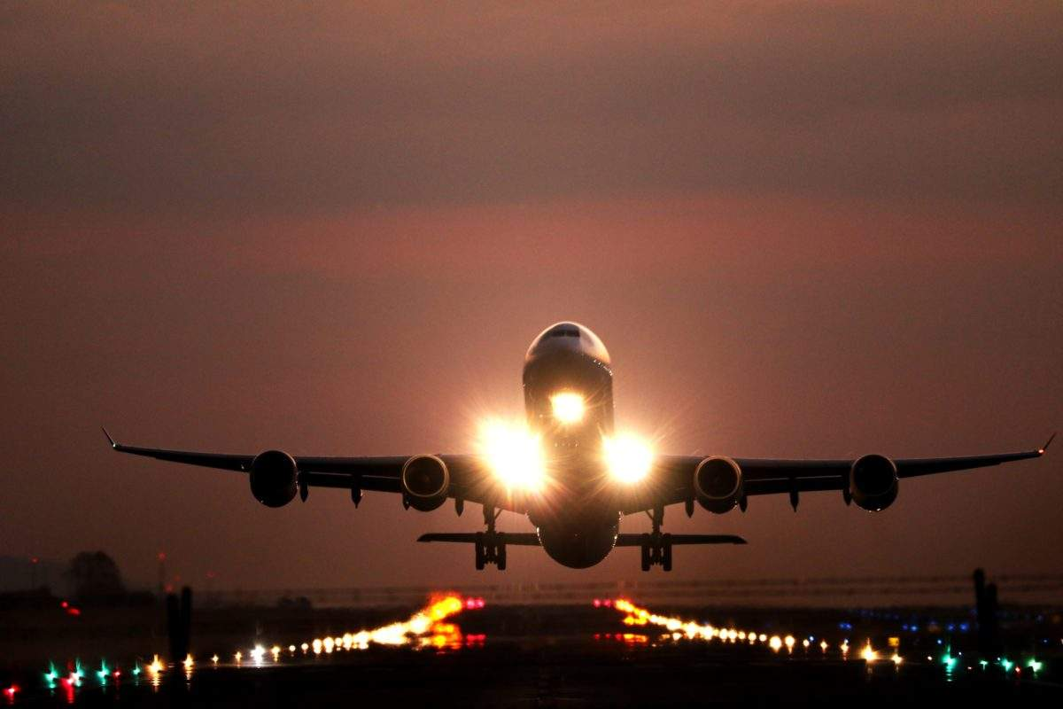 aeroplane landing on runway - How to ship high value equipment: A complete guide